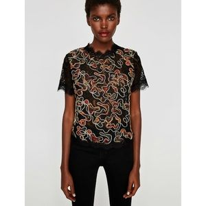 ✨nwt!✨zara black lace floral top